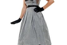 Vintage Fashion / Pretty clothes from the 20s-50s / by Katie Shuman