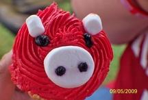 Razorback  Fan Pig Sooooie / by Glenda Oliver