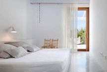 Upbuilding   Bedroom / by Laura Canha