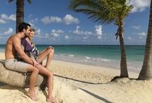 Ocean Blue & Sand, Rep. Dominicana / En primera línea de mar, sobre una espectacular playa de arena blanca y aguas cristalinas, el hotel Ocean Blue & Sand goza de una estructura integrada en su entorno. Sus completas suites, su servicio Todo Incluido y su amplio programa de actividades harán de tu estancia una experiencia única. www.hoteloceanbluesand.net / by H10 Hotels