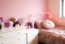 Girls bedroom / by Clarisse Pinheiro