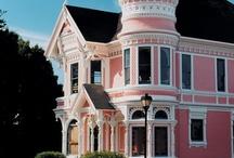 Pink Houses!! Pretty Please?? / by Amanda Cheatham
