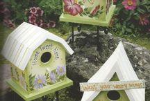 Birdhouses for my little little garden / Me encantan estas casitas para pajaros y al ver que hay tanto diseño hermoso...decidi hacer un tablero solo para ellas...algun dia llenare mi pequeño jardin... / by Marta Maria Allen