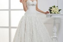 Wedding Dress Ideas / The Best Collection Of Wedding Dresses / by Dream Dress
