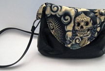 Purses and Totes / by Carrie Dunn