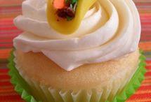 Cupcakes / by Lisa Drake