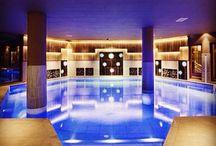 Belles piscines pour faire rêver  / Les plus belles piscines que je propose pour les vacances  / by Madame Vacances