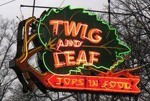 {HerKentucky} Eats  / Our favorite Kentucky restaurants. / by HerKentucky