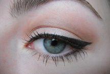 Makeup Looks / by Tiana Mummert