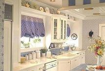 shabby chic kitchen / by Maria Getz