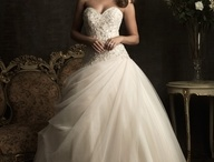 Wedding | Dresses / by Kim Oltmans