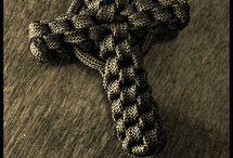 Paracord stuff / paracord bracelets / by Jose Guzman