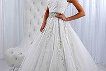 Wedding Dresses♥♥♥ / by Haley Worsham