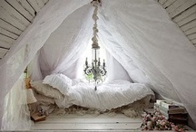 Home Décor / Shabby Chic, and more for your Home Sweet Home. / by Lillian