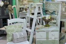 Beautiful booths, shops / by Cyndi Dulaney