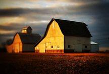 Barns, Farmhouses, Lighthouses, Log Cabins & Old Shops / by ❈Agnès ❧ Brun❈