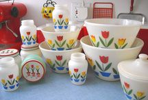 Pyrex-Mania! / by Brenda Johnson