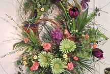 Wreaths / Soooo many beautiful wreaths, so few doors!!! I really enjoy wreaths--making them as well as enjoying the talents of many others. I have no claim to any of the wreaths pinned to this board. Thank you to everyone who shares so that others can enjoy!!!!!  / by Frances Styra Downs