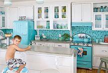 Kitchens / by Carolyn Thomas