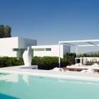 houses & design / by Jelena Ćosić