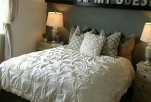 Guest Bedroom / by Maggie Wise