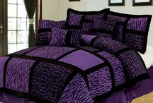Purple and Black Bedding Sets / by Lesley Stevens