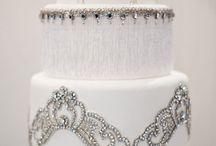Wedding Cakes / by Veronica Ortegon