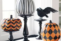 DIY: Halloween Make & Do / An assortment of spooky makes and decorating ideas for All Hallows' Eve! / by Nikki McWilliams