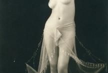 Bare bodies / by Giulia Bucelli