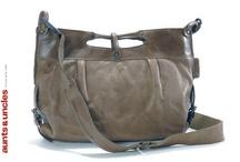 handbags / by Mareike Engelke