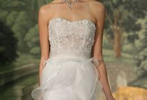 Wedding Dresses / by Tying the Knot ♥