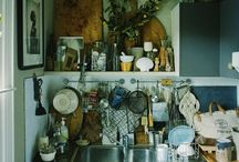 Kitchens / by Rossina Graña