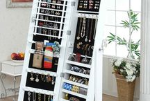 JEWELRY ORGANIZING / by Becky Rogers