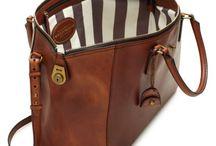 Bags.Purses / by Gaby Carvajal