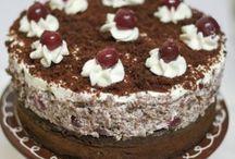 Kuchen und Desserts / by Holly Stein