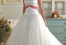 Wedding Ideas :) / by Kristen Rose