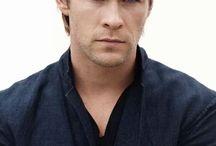 Chris Hemsworth / favorite actors / by Barbara Herrington