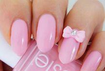 nails / by Tina Delts