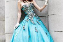 Moda!! Ñ_Ñ / by Ximena Tao
