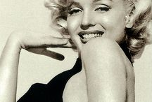 Marilyn / by Elizabeth Bronzini