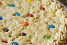 cookie cake recipes  / by Jeanie Jacops
