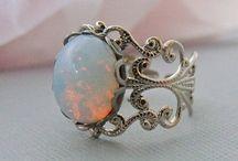 jewelry wants! / by Vanessa Jimenez