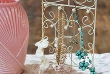Jewelry storage / by Aletta Láng