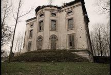 Haunted houses / by Cheryl Sleboda
