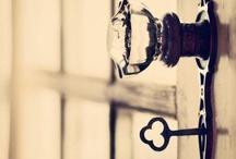 Unlock the Door / by Benja Kinate