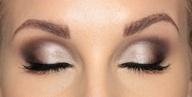 makeup / by Julie Hubert