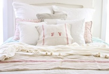 Bedrooms / by Deanna Rio