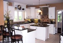 Kitchen / by Carrie Vasconcellos Sheehan