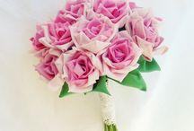 Flower Arrangements / by Lana Wood