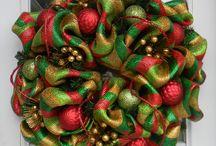 CHRISTMAS WREATHS / by Michelle Lemoine